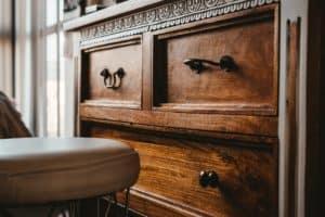 מזנון בצבע חום מותאם לסלון - תמונה להמחשה